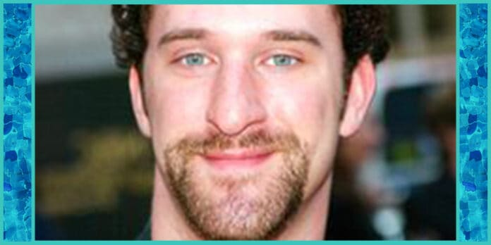 dustin diamond screech saved by the bell fame star dies at 44 after lung cancer diagnosis