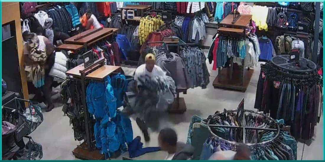 flash mob thieves rob steal $30,000 worth of merchandise from North Face store in Wisconsin