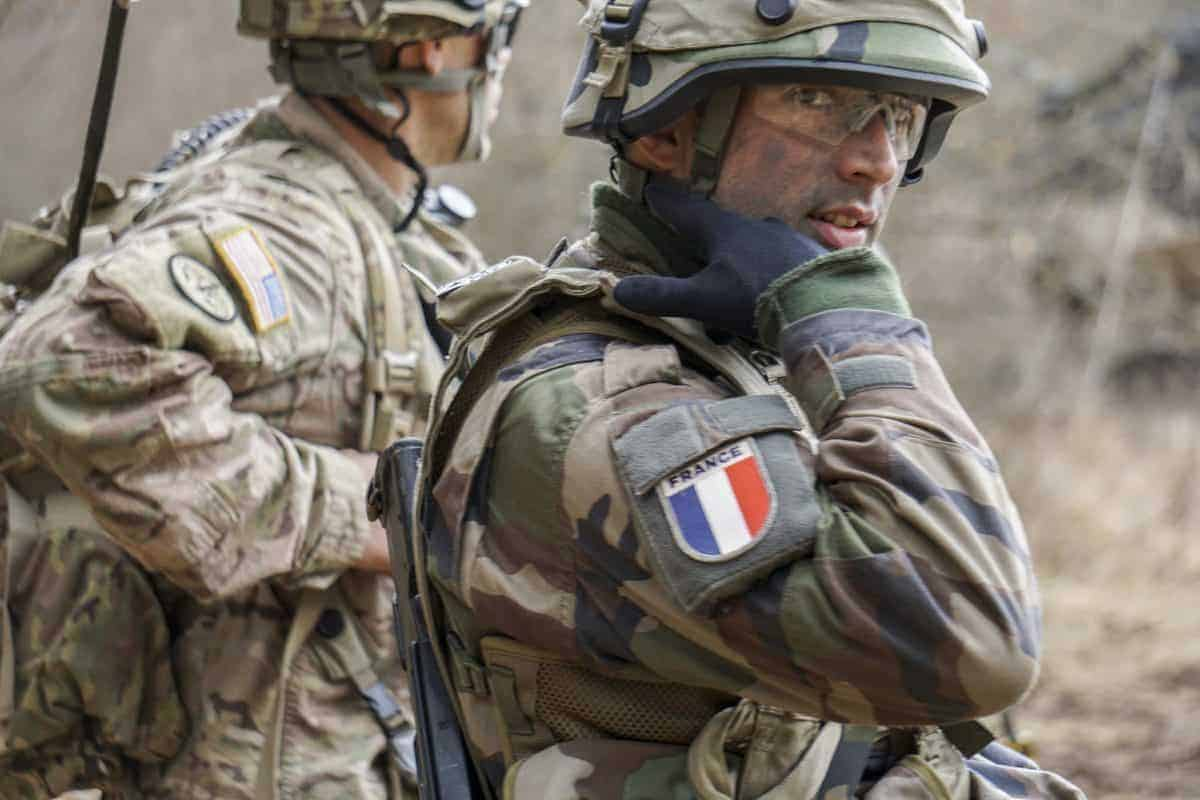 French France troops soldiers enter Syria fight against ISIS Daesh bolsters bolstering US military operations